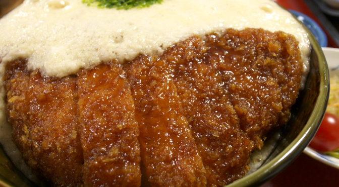まつくぼ(辰野町;カツカレー+とろろカツ丼)