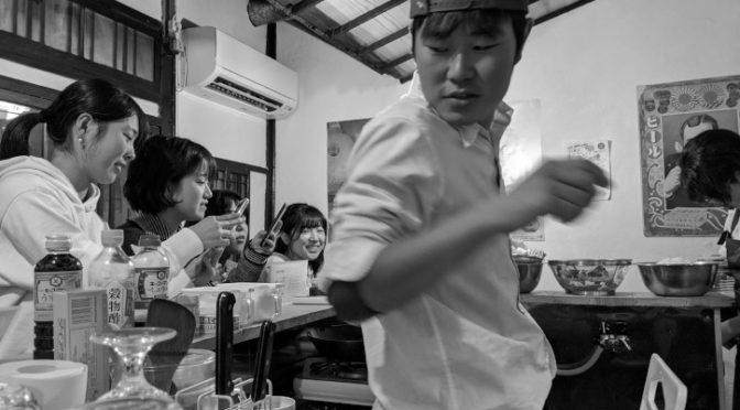 ジビエ居酒屋きくちゃん(伊那市;鹿の漬け・鹿の唐揚げ・鮭南蛮・スモークチーズ・水餃子・鹿の炭火焼き・自家製ベーコン)